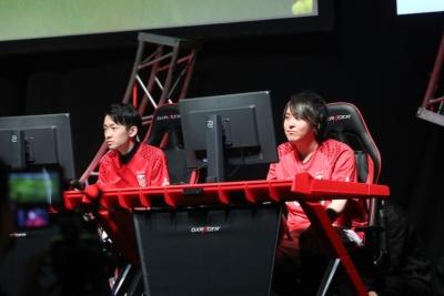 浦和レッズの代表として出場したのはカール選手(右)とfantom選手(左)。