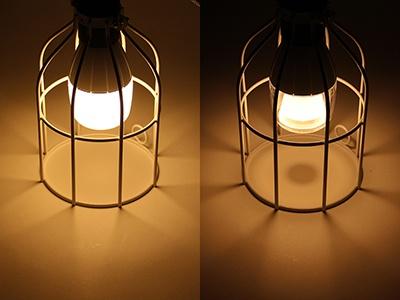 新モデルLSPX-103E26(左)と前モデルLSPX-100E26J(右)の影の比較。新モデルでは中央の影がまったく出なくなっていることが分かる