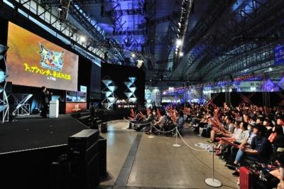 Switchを使った大会「モンスターハンターダブルクロス Nintendo Switch Ver.」も開催された(写真/中村宏)