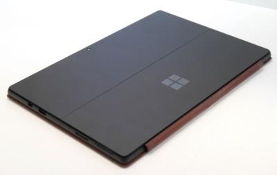 Surface Pro 6ではカラーバリエーションとして黒いモデルが設定された