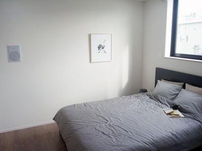 AIマンションは寝室にもスピーカーが設置されている