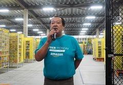 アマゾンジャパンのジェフ・ハヤシダ社長は「作業を効率化し、お客さまの利便性を高めるためにARを導入した」と、導入の経緯を説明した