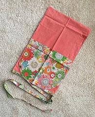 aifun「茜」4200円。温かみのあるピンク色は、伝統的な茜染(あかねぞめ)によるもの。茜染は昔から婦人病の改善に効果があると言われているそうだ。素材はオーガニックコットン
