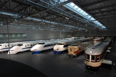 2011年3月にJR東海がオープンした「リニア・鉄道館」は金城ふ頭駅から徒歩2分の場所にある