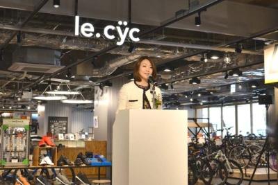 「従来のように『モノ』を売るのではなく、サイクリングをテーマに『コト』を売るという新しい消費のカタチを目指したい」と語る、プレイアトレ土浦のプロジェクトリーダー 藤本沢子氏