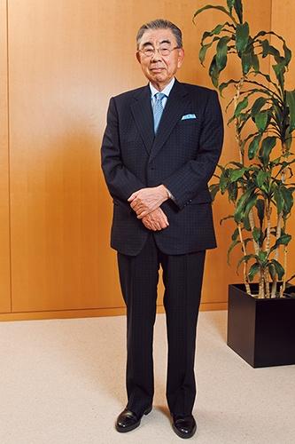 鈴木敏文氏/1932年長野県生まれ。56年中央大学経済学部卒業、東京出版販売(現トーハン)に入社、63年ヨーカ堂(現イトーヨーカ堂)に入社。73年ヨークセブン(現セブン-イレブン・ジャパン)を創設。78年社長。92年イトーヨーカ堂社長。2005年セブン&アイ・ホールディングスを設立。会長兼CEOに就任