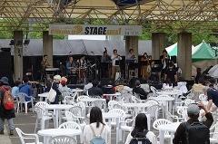 東遊園地では、昼間はジャズのライブで盛り上がった