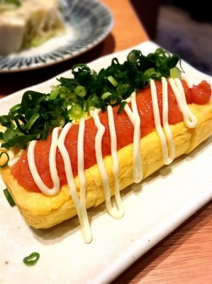 明太子入り卵焼き「めんたま」(450円)も人気メニュー