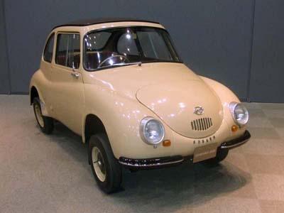 1958年に発売された「スバル 360」。安さと高い走行性能で、当時のモータリゼーションを推進した
