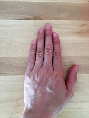 「白ゆび姫」(1200円)を使用する前の手