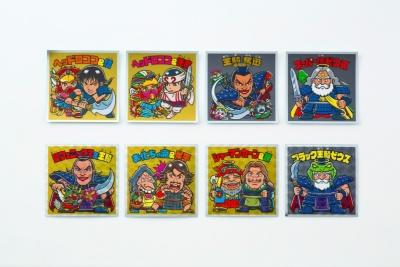 シークレットシールは「ヘッドロココ&信」「スーパー信ゼウス」「お化ちゃ魔&尾平」「ブラック王騎ゼウス」といった具合に天使VS悪魔シリーズとキングダムのキャラクターのコラボとなっている