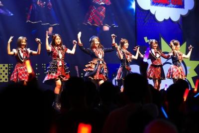 インドネシア・ジャカルタのJKT48。AKB48グループとしてはBNK48の先輩格になる。 TIF in BANGKOKのステージにて