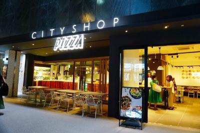 ベイクルーズグループのフレーバーワークスが展開するサラダ&デリカテッセン「CITYSHOP」の新業態「CITYSHOP PIZZA」