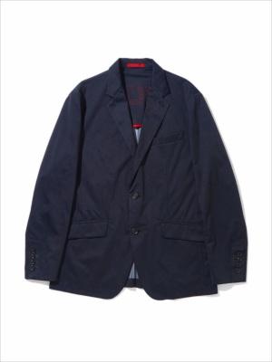 「ウォータープルーフ テーラードジャケット 2」(4万8000円)。はっ水ストレッチ素材を使用した高機能ジャケット。ビジネスにも対応する上品さが魅力