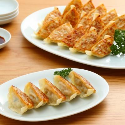 「国産豚肉と野菜の餃子」(20個入り、450円)