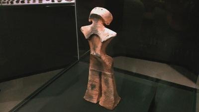 「土偶 縄文の女神」(山形県立博物館蔵、写真提供/山岡監督)
