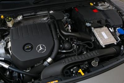 新開発の1.4L直列4気筒ターボエンジン。従来型の1.6Lターボと比較すると最大トルクは同様で、最高出力が14psアップ