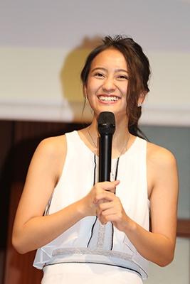 来年ブレーク必至の「2017年の顔」に選出されたタレントの岡田結実も登場