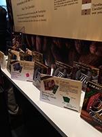 ブース内では3種類の「ザ・チョコレート」を説明付きで陳列