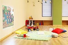 シープスのサイトより、レンタルキッチンスペース「Patia(パティア)」。アイランドキッチン付きで子供用のスペースもあり、ママ会に人気(1時間5040円、税込み)