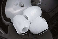 Lサイズの氷は、幅約25mm、高さ約30mm程度
