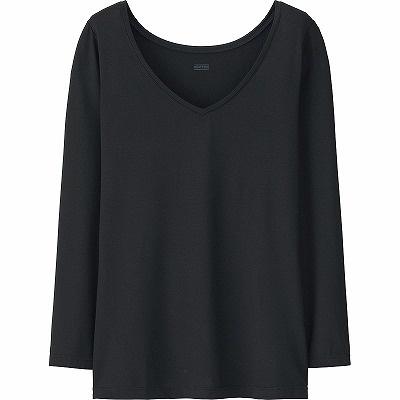 「ヒートテックVネックT(長袖)・ブラック」(990円)。今年初めて女性向けにVネックを追加した