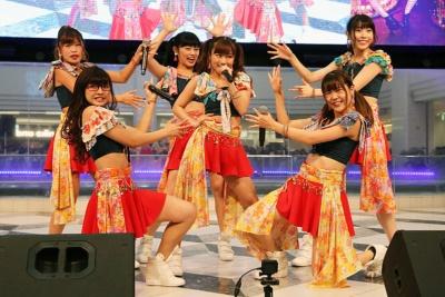大阪☆春夏秋冬。「カタヤブリ」をテーマにしたダンス&ボーカルアイドルグループ。写真は2017年10月に発売した「Travelin'Travelin'」