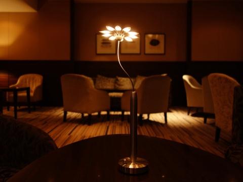LEDテーブルランプ「Flumie(フルミエ)」